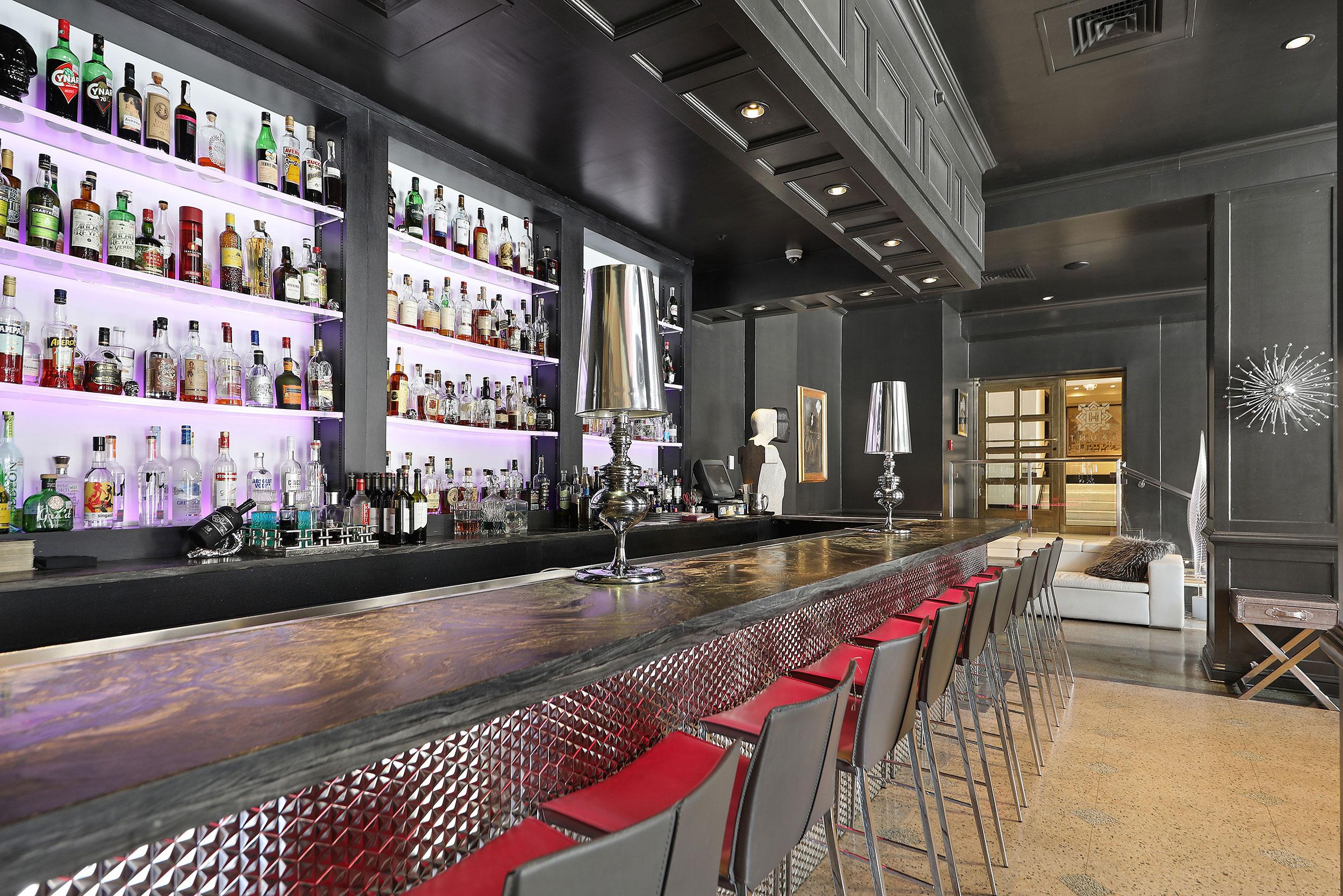 Haunt Cocktail Lounge – 1